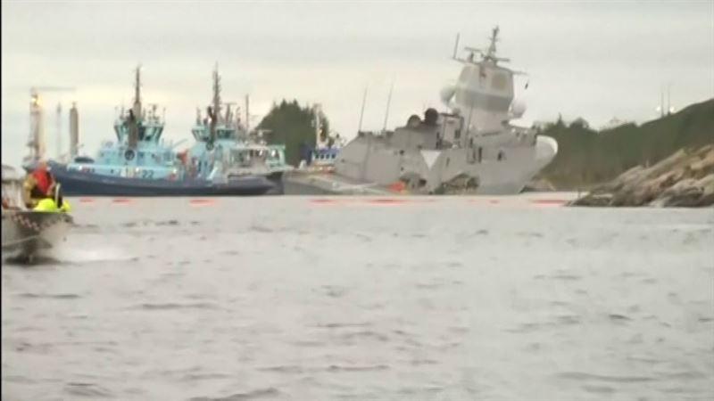 ФОТО: Норвегия корольдігінің әскери кемесі танкерге соғылып, суға батып кете жаздады
