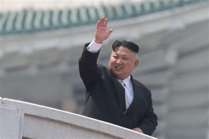 Лидер Южной Кореи обменял мандарины на грибы Ким Чен Ына