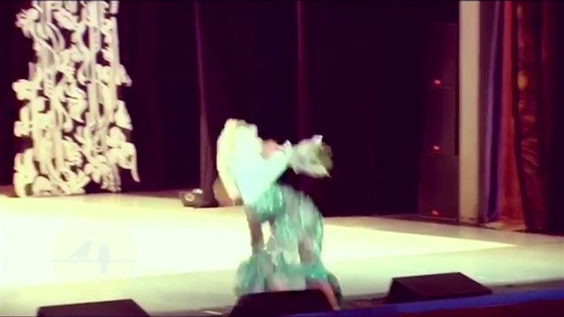 Анастасия Волочкова упала на сцене, поклонники в шоке