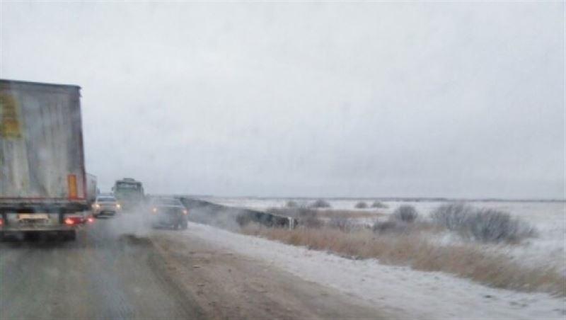 Автобус, перевозивший казахстанцев, попал в аварию в России