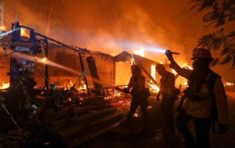 Количество жертв пожаров в Калифорнии возросло до 42