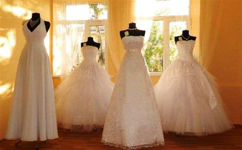 Американка эффектно отпраздновала развод, взорвав свадебное платье