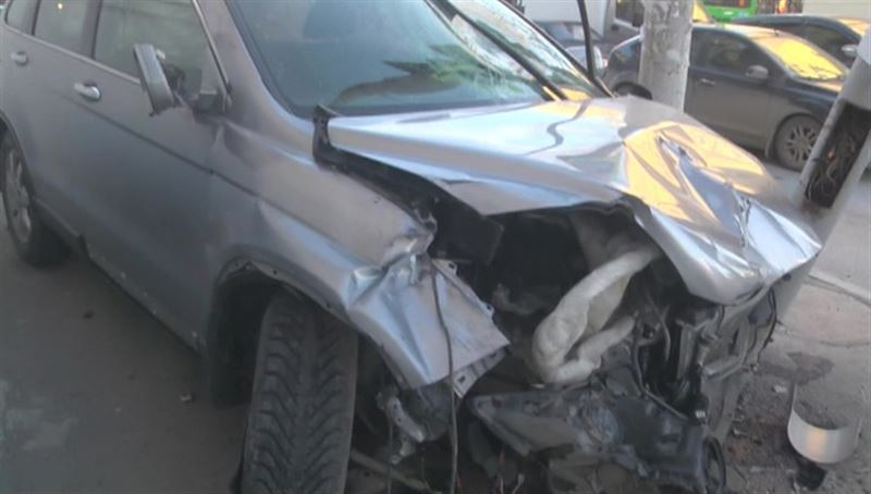 Шокирующее видео: В Екатеринбурге внедорожник сбил трех человек