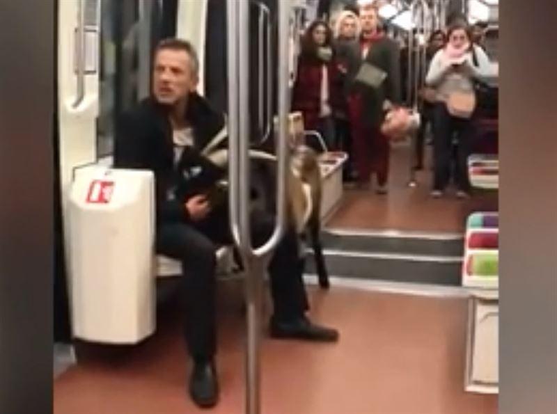 Мужчина с козлом взбудоражил пассажиров метро в Париже