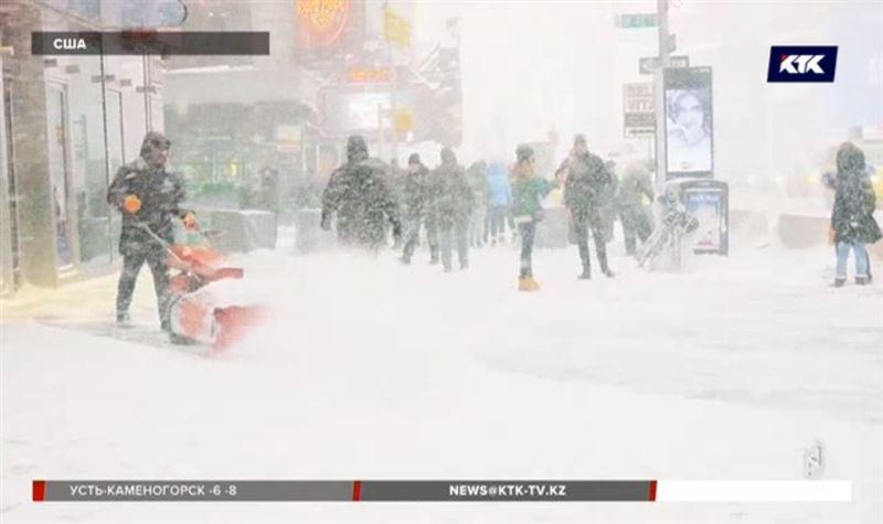 Cнегопад парализовал Нью-Йорк
