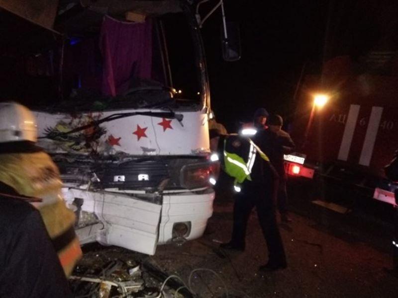 Қызылорда облысында екі автобус соқтығысып, 3 адам қайтыс болды