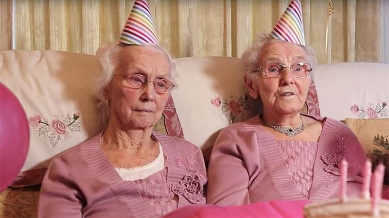 102-летние сёстры-близнецы назвали рыбу и крепкий алкоголь секретом долголетия