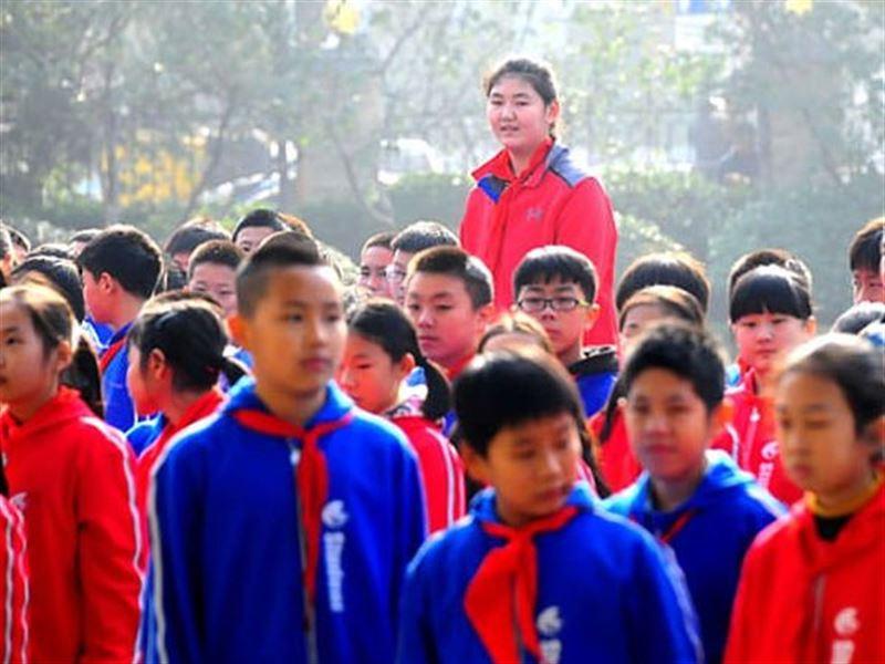 Самая высокая в мире девочка живет в Китае