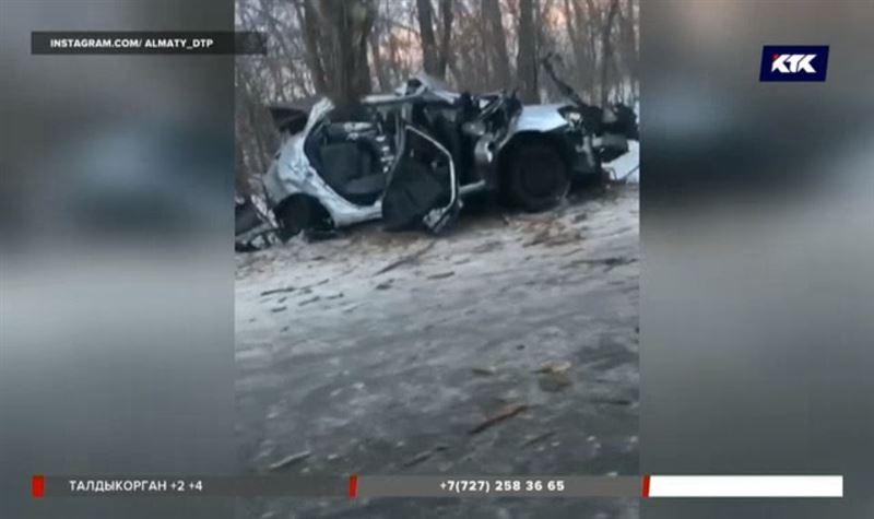 В ДТП под Алматы погибли военнослужащие