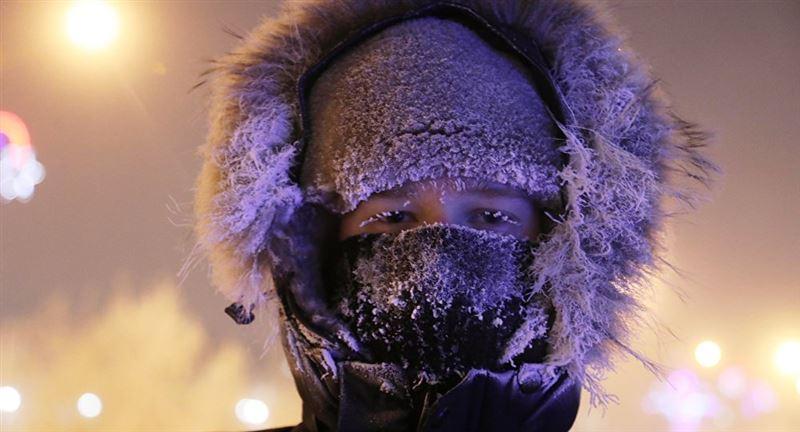 Гололед и метель ожидают казахстанцев в воскресенье