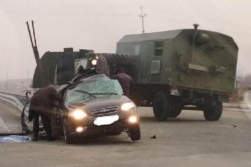 Автомобиль әскери жүк көлігімен соқтығысып, 3 адам қаза тапты