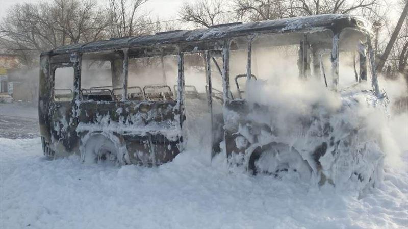 На трассе Майкаин – Экибастуз полностью выгорел автобус