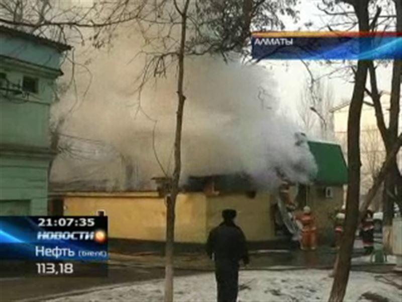 В Алматы за сутки сгорели сразу два кафе