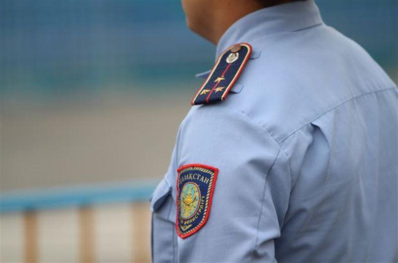 Талдықорғанда полицей қонақүй қызметкерінен ақша бопсалаған