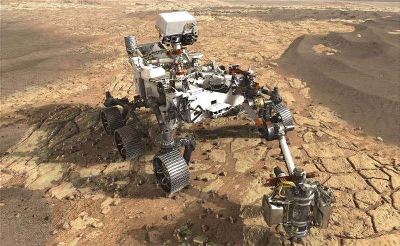 На Марсе обнаружили странный блестящий предмет