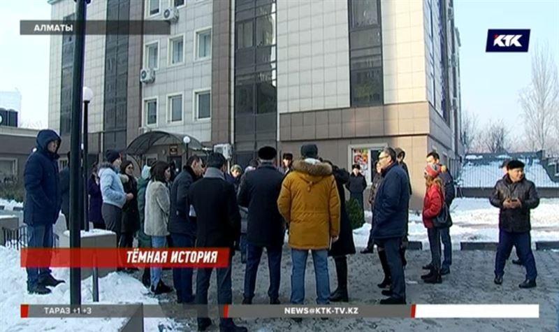 Жители элитного ЖК в Алматы платят исправно, но рискуют остаться без света