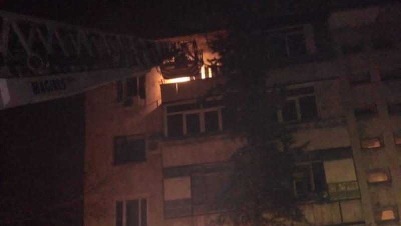 45 человек эвакуировали пожарные из горящей пятиэтажки в Алматы