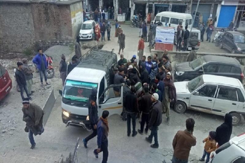 Үндістанда автобус жыраға құлап, 11 адам қайтыс болды