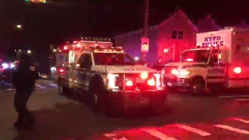 Злоумышленник скончался в результате перестрелки с полицией в Нью-Йорке