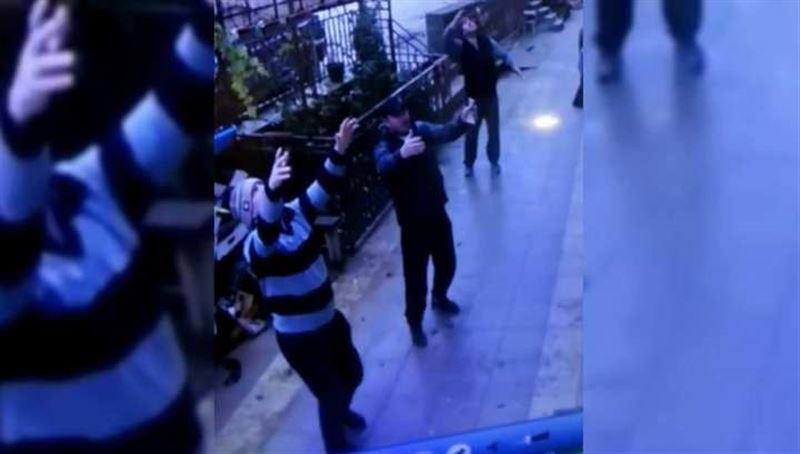 Таксисты поймали ребенка, выпавшего из окна пятого этажа