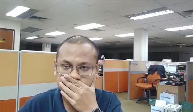 Мужчина снял на видео привидение в пустом офисе