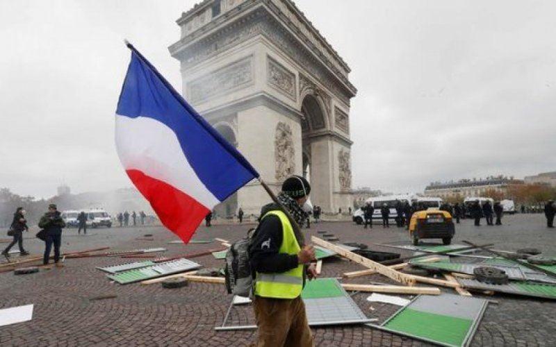 Парижде «сары жилеттілер» наразылықтары аяқталды