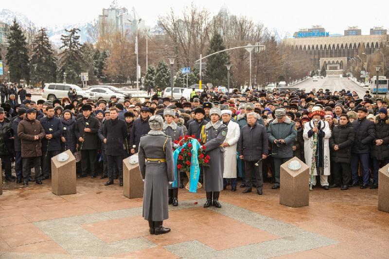 Алматылықтар желтоқсан оқиғасының құрбандарын еске алды