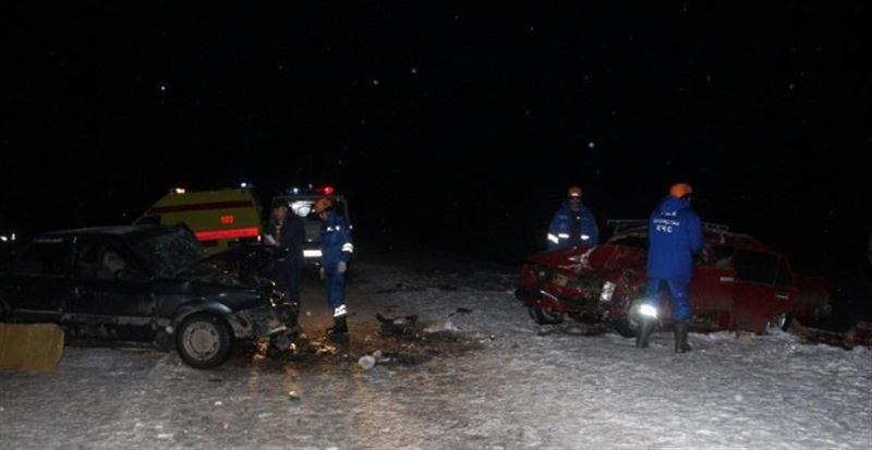 ФОТО: Қос автокөлік соқтығысып, жеті адам жарақат алды