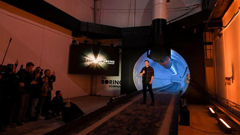 Илон Маск продемонстрировал подземный тоннель Hyperloop