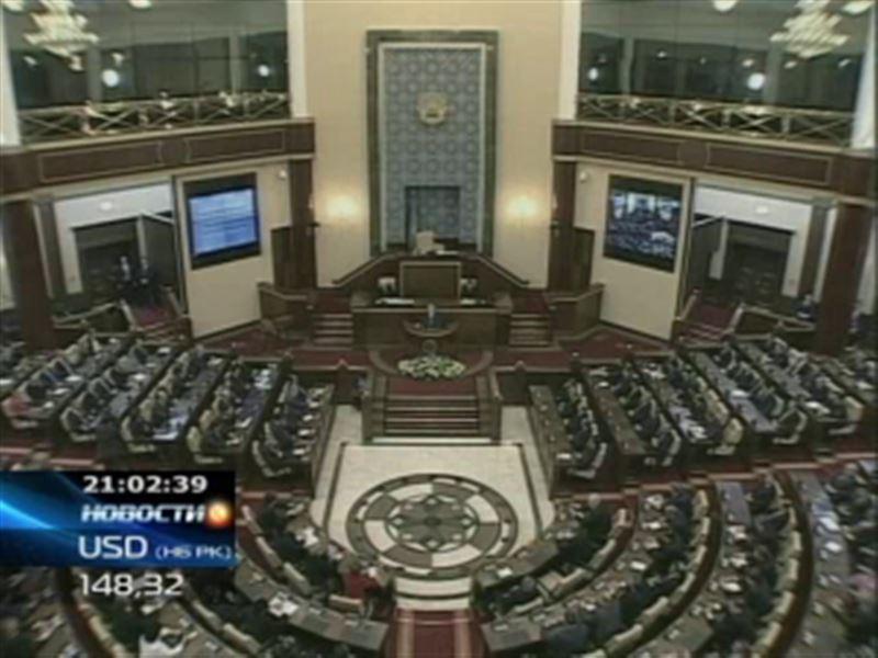 В Астане вновь избранные депутаты Мажилиса приступили к работе