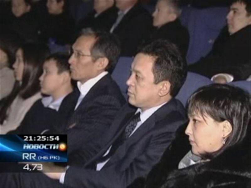 Кыргызский премьер отправил подчинённых на премьеру