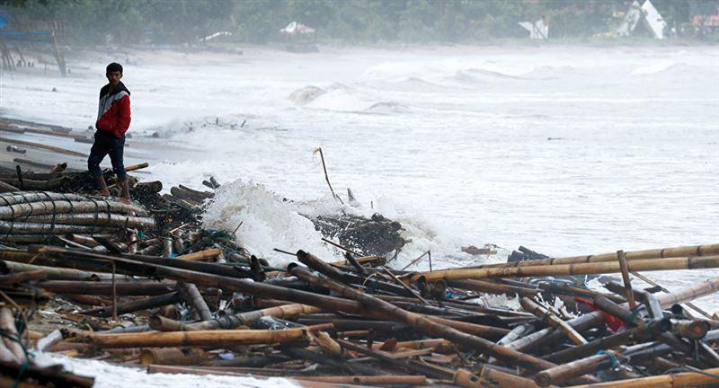 Ер адам цунамиден әйелін құтқарамын деп анасы мен ұлынан айырылды