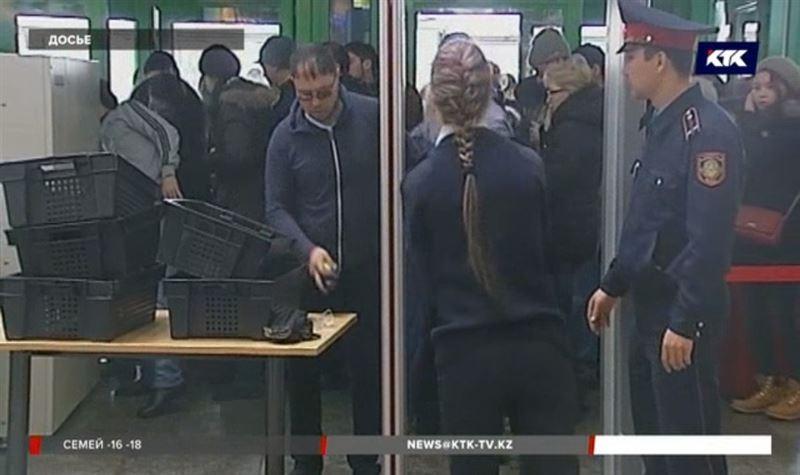 В праздники казахстанцев попросили приезжать в аэропорт пораньше