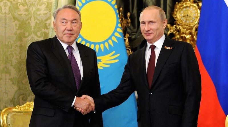 Владимир Путин позвонил Нурсултану Назарбаеву
