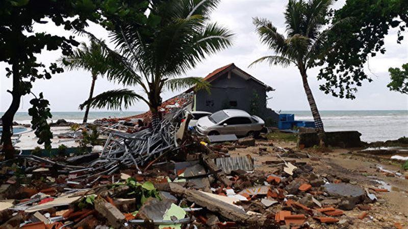 Число жертв цунами в Индонезии увеличилось до 431