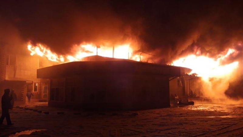 Пожар на СТО в Алматинской области тушили 28 человек