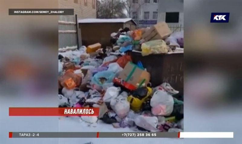 Семей тонет в мусоре