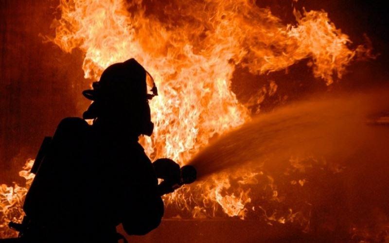 Пожар произошел в жилом доме и сервисном центре в Алматы