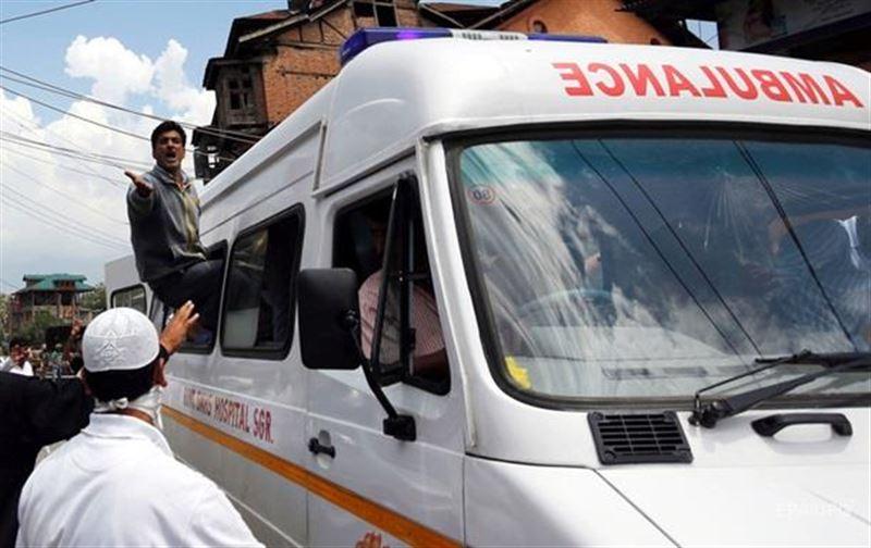 Оқушылар толы автобус шатқалға құлады
