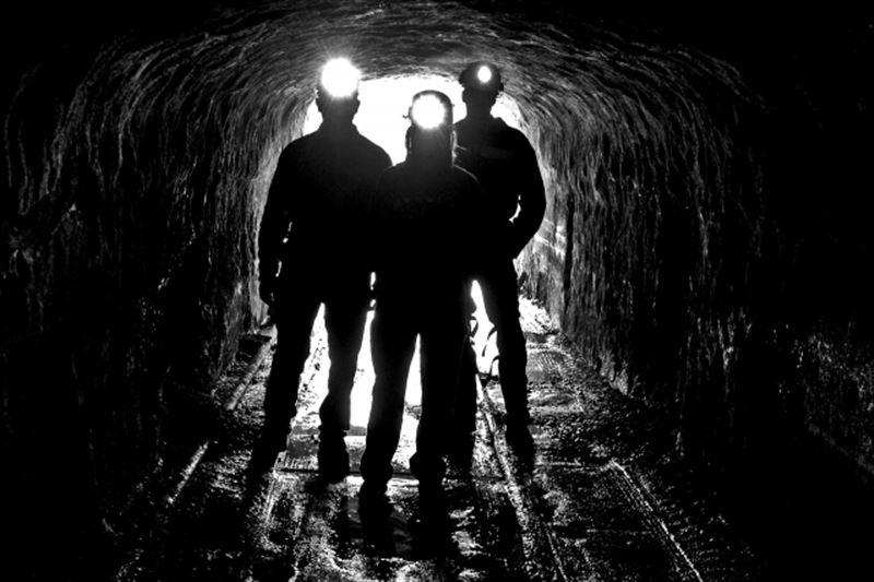 Порядка 30 человек скончались из-за обрушения шахты в Афганистане
