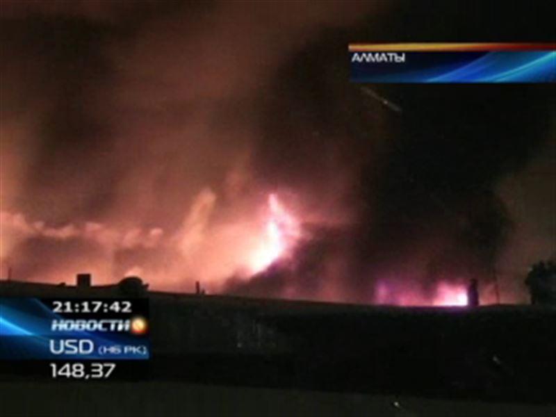Алматинская барахолка снова в огне