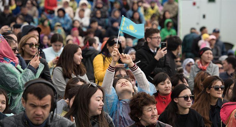 Численность казахстанцев приблизилась к 18,4 млн