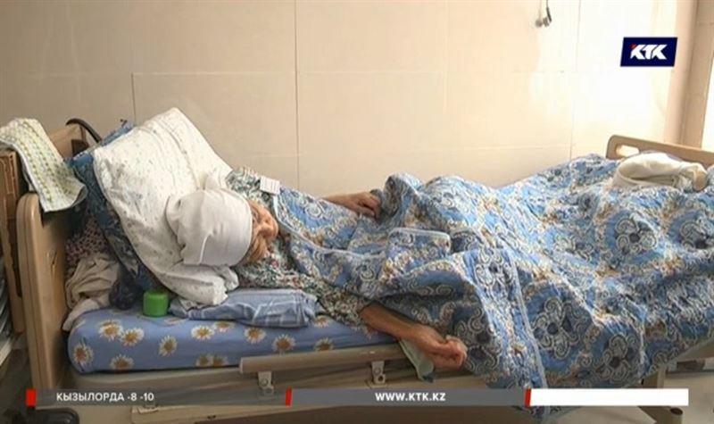 После лечения у целителя пенсионерка из Мангистау едва не лишилась ноги