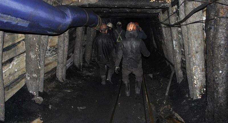 При обрушении шахты в Китае погибли люди