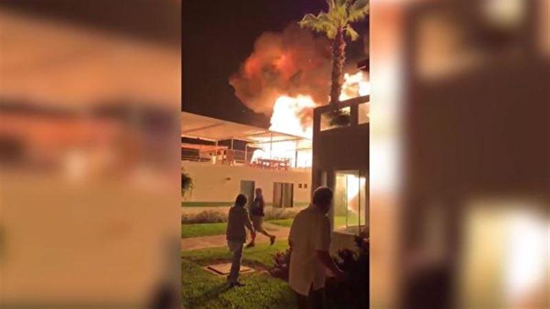 В здании пляжного клуба в Перу произошел взрыв