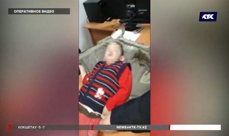 Детей, оставленных матерью в степи, спасли атырауские полицейские