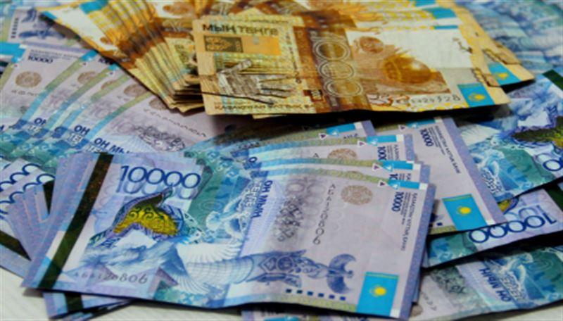 Средневзвешенный курс доллара составил 377,81 тенге