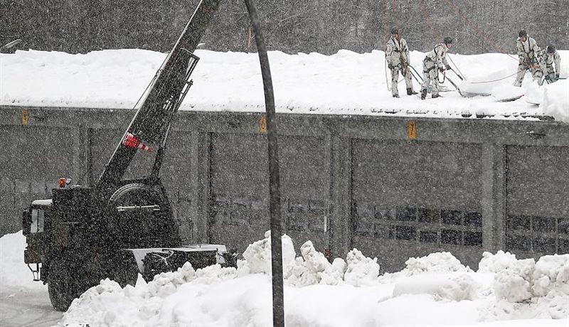 Снегопады в Европе стали причиной гибели более 20 человек