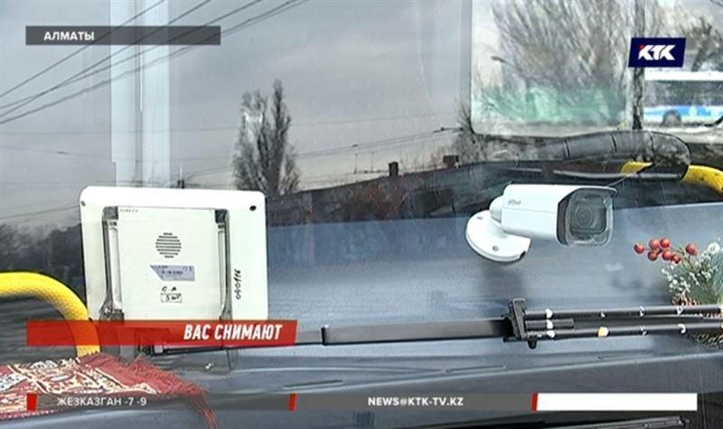 Алматинские автобусы теперь следят за другими авто на трассах