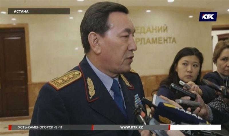 Избитых инспекторов долго спасали из-за нелётной погоды – Касымов